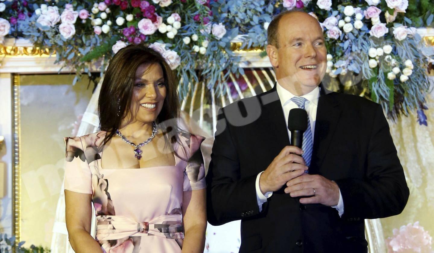 la présidente de l'association Brasil Monaco Project, Luciana de Montigny, et le souverain ont partagé la scène avec cinq grands chefs.
