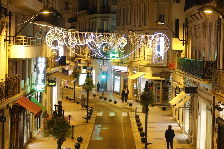 Lors de l'essai d'illuminations, rue d'Antibes, il y a quelques semaines.