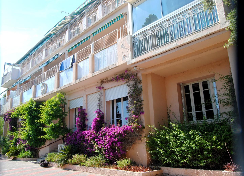 La directrice ignore ce que va devenir le bâtiment qui abrite actuellement Les Lauriers Roses, propriété de la SCI Riviera.
