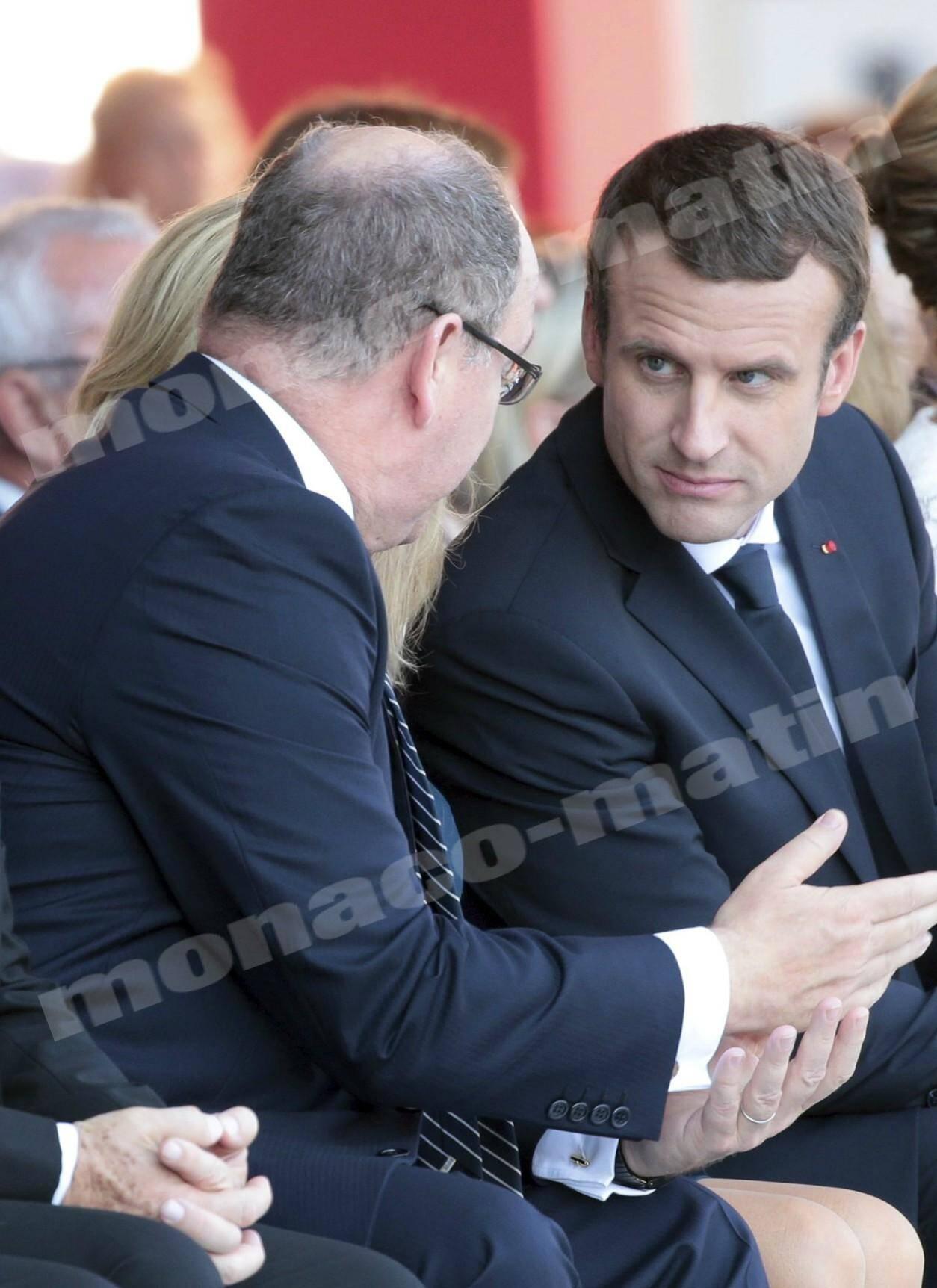 Le prince Albert II et Emmanuel Macron lors de la commémoration du 14 juillet 2017.