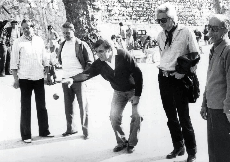 Saint-Paul-de-Vence, avril 1979. À la droite de Lino Ventura, Marius Issert, à sa gauche le cascadeur niçois Pierre Grosso.