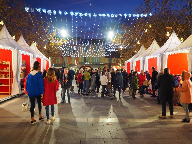 La magie de Noël a commencé sur la place des Poilus avec le village des santonniers présent jusqu'à ce soir, 19h.