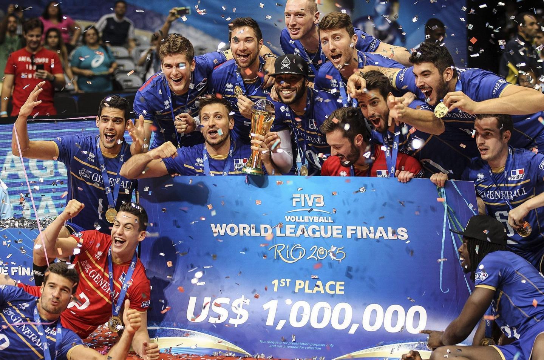 Au sujet de la « tribu » cagnoise Tillie : « C'est une belle récompense pour une famille de sportifs exemplaires », s'était réjoui en juillet 2015 Patrick Gerbault, à la suite de la victoire lors de l'équipe de France de volley lors de la Ligue mondiale à Rio.