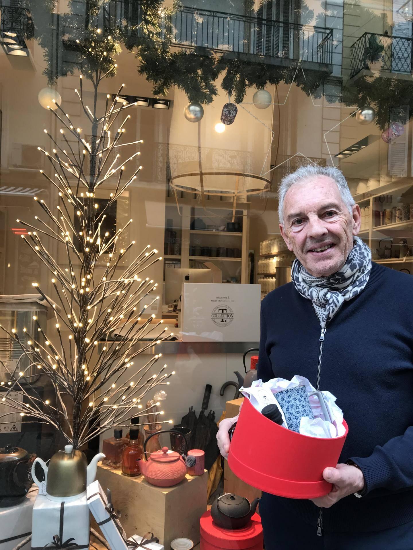 Philippe Vasseur comble  les amateurs de thé  au n°32 de la rue Hoche.