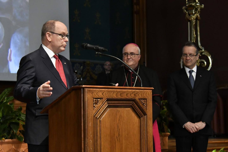 Le prince a remercié l'archevêque pour ces deux décennies à servir le diocèse.