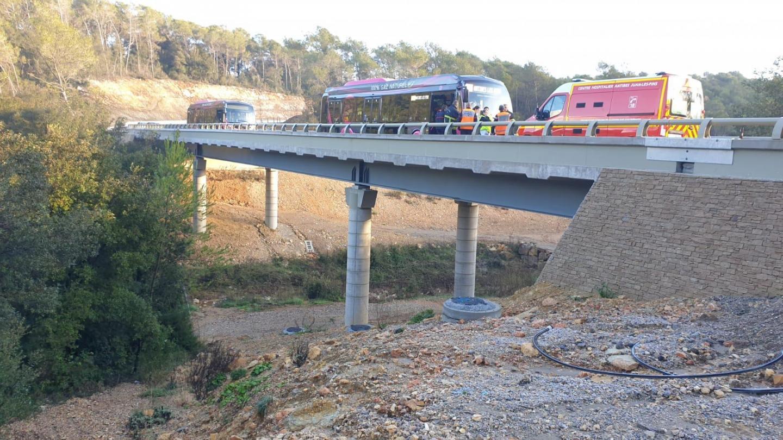 Le bus reliait le pôle d'échanges d'Antibes à la gare routière de Valbonne Sophia Antipolis au moment de l'accident.