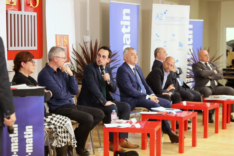 Les sept candidats, mercredi soir, lors du débat.