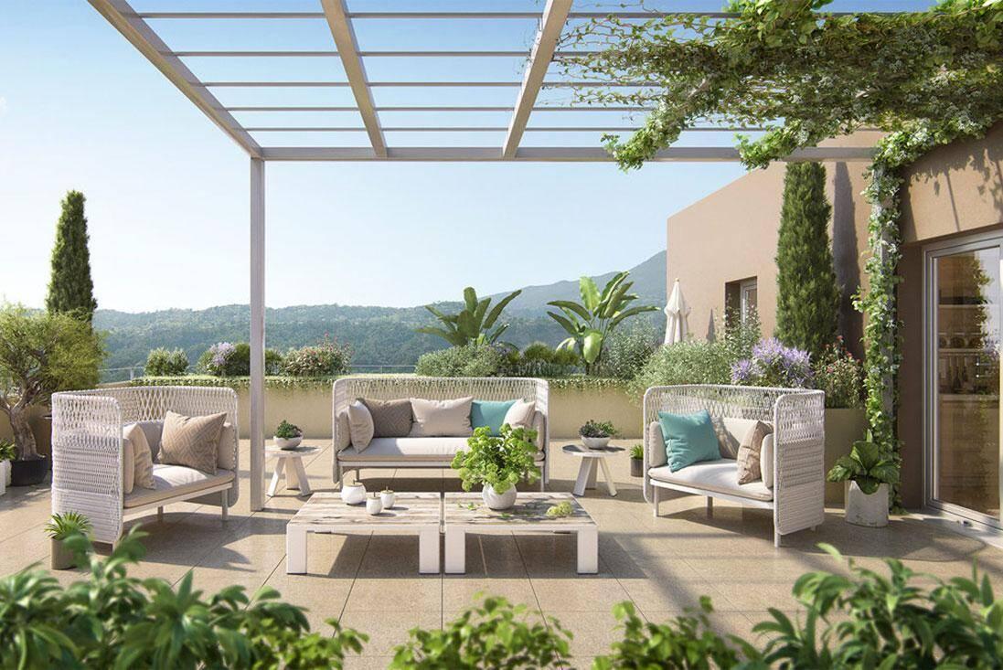 Idéale pour un jeune couple avec enfants, la résidence Les Jardins d'Azur sera située dans un cadre privilégiée, à proximité du centre-ville de Carros et de la nature.