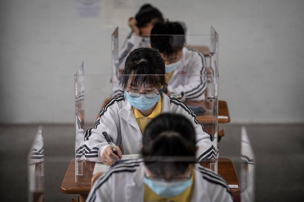 Reprise des cours pour les lycéens, le 6 mai 2020 à Wuhan, en Chine