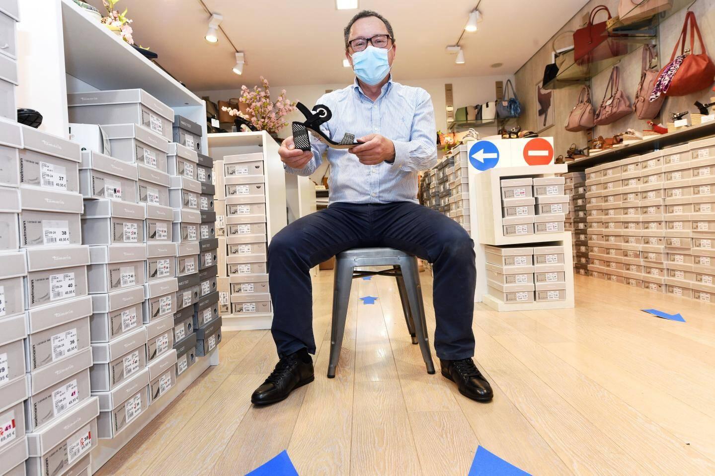 Daniel Scarpini dans sa boutique de la rue Cisson.
