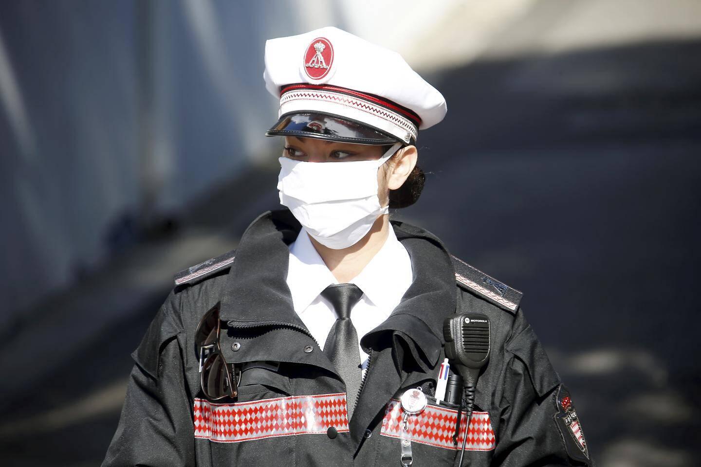 Samedi 11 avril 2020 à Monaco - Contrôles de confinement par la sûreté publique monégasque pour lutter contre la pandémie de coronavirus - ici à la frontière Ouest entre Monaco et la France.