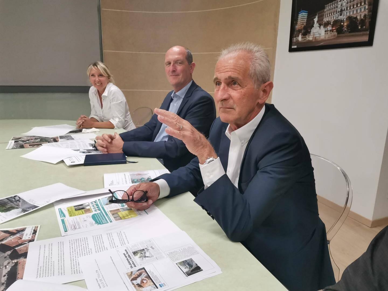 Hubert Falco, le maire, était entouré de ses adjoints aux espaces verts et au CIL.