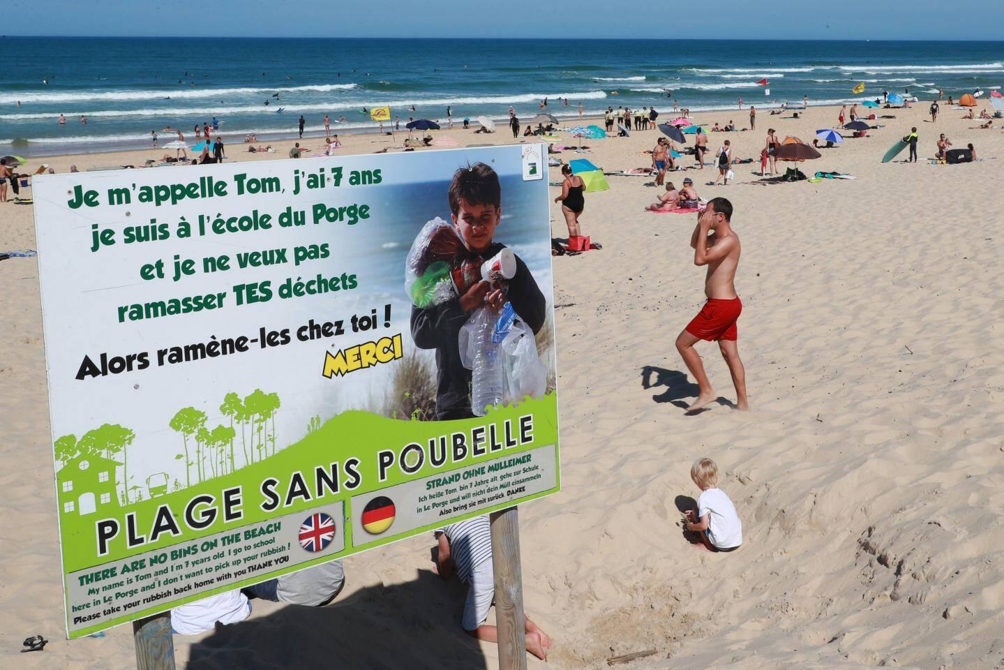 Depuis 2014 la commune de Le Porge a pris l'initiative de ne plus mettre de poubelles sur la plage afin que chaque citoyen ramène ses déchets.