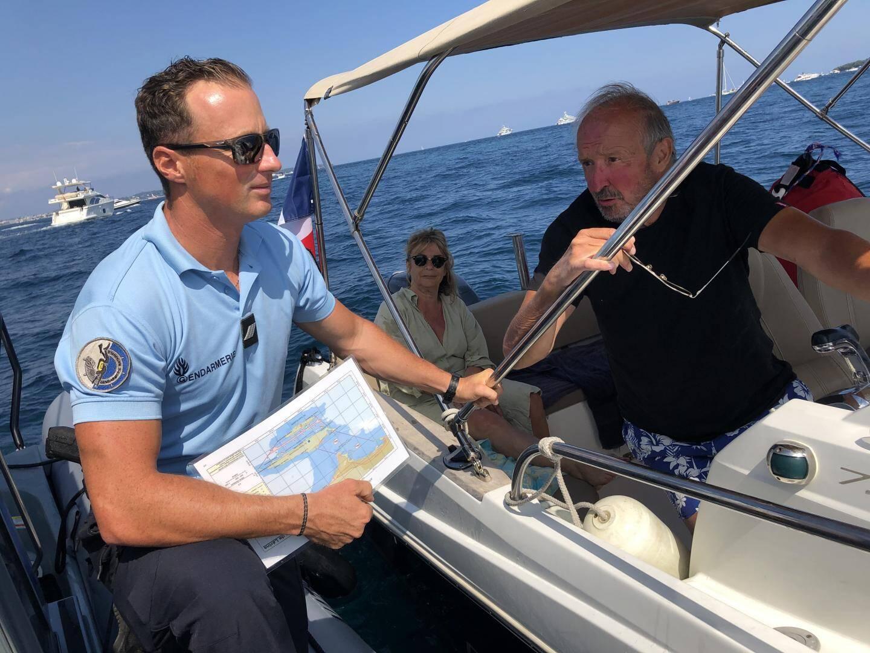 Richard, 71 ans, ignorait lui aussi la limitation entre la pointe du Palm Beach et l'île Sainte-Marguerite.