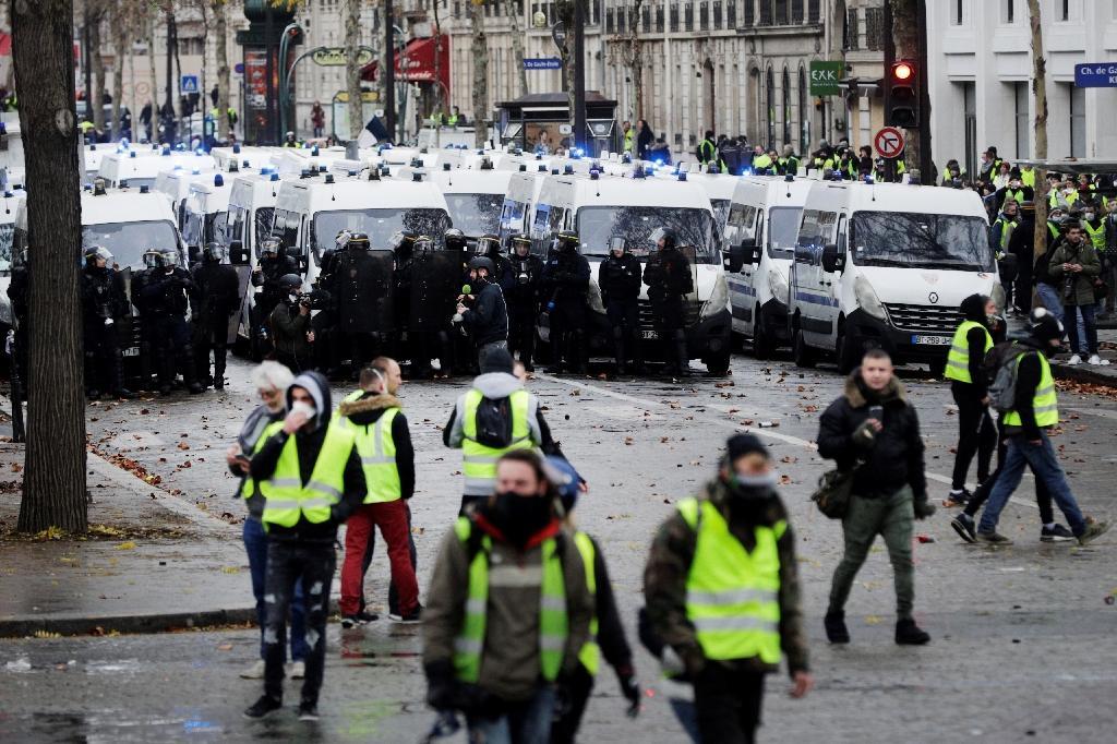 """Le 1er décembre 2018, la police a interpellé 412 personnes, dont 378 avaient été placées en garde à vue, lors de l'acte 3 des """"gilets jaunes""""."""