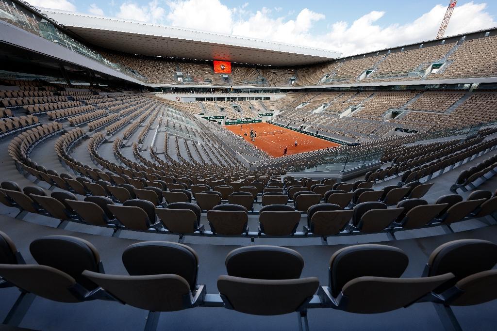 Le court Suzanne Lenglen à la veille du début du tournoi de Roland Garros, le 26 septembre 2020