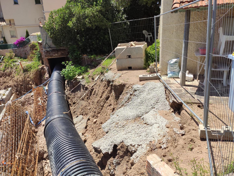 Selon les riverains, les  travaux constituent un danger pour les habitations adjacentes.