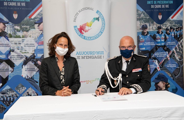 Le directeur de la Sûreté publique a signé la charte d'engagement avec Annabelle Jaeger-Seydoux, la directrice de la Mission pour la transition énergétique.