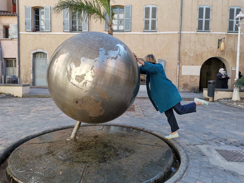 La fontaine du Globe fait la joie des influenceurs.