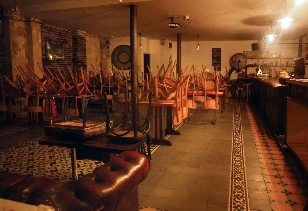 Intérieur d'un bar fermé à Paris le 6octobre 2020
