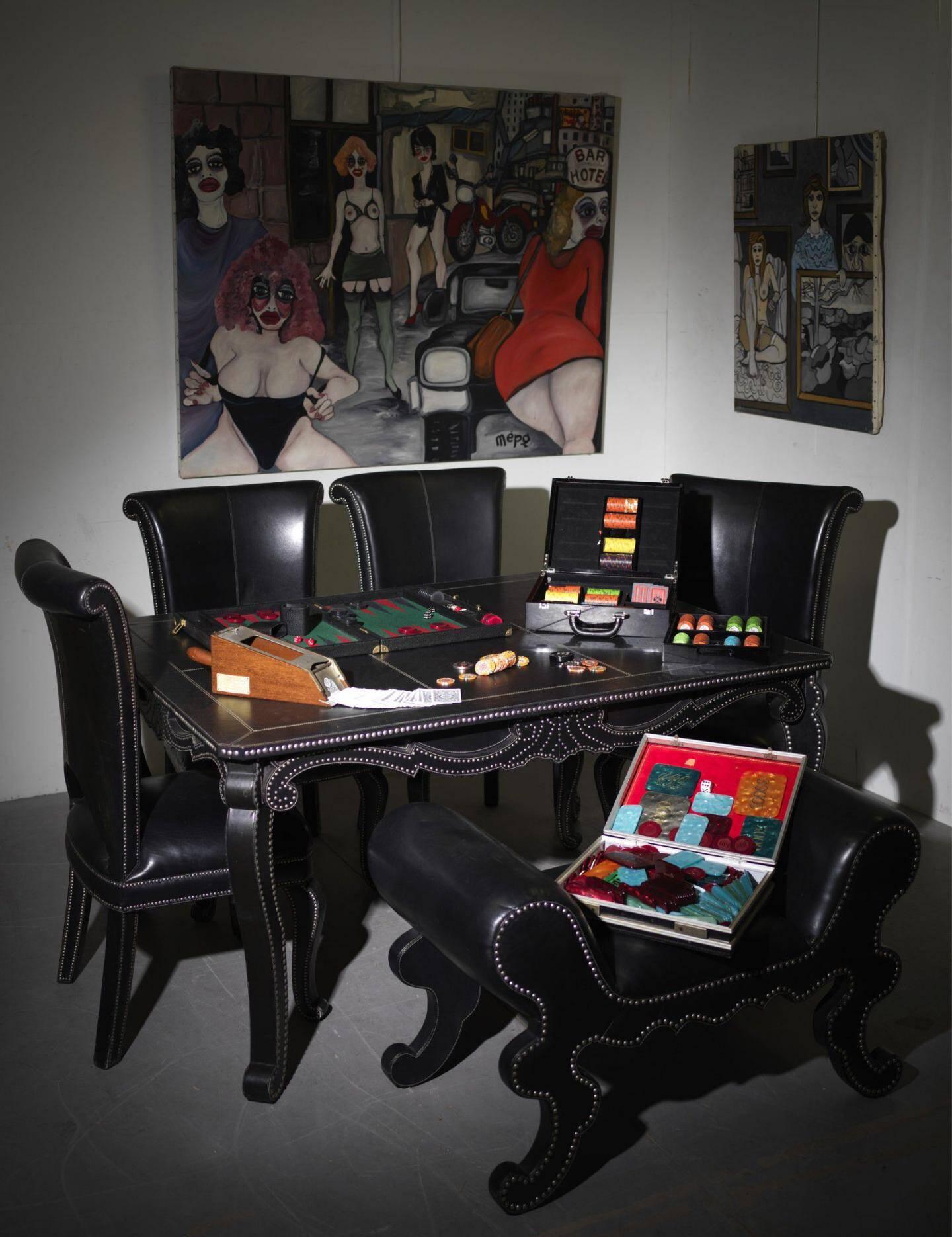 L'ensemble table de poker qui trônait au sein du domicile de ce joueur invétéré a atteint 13 200 d.