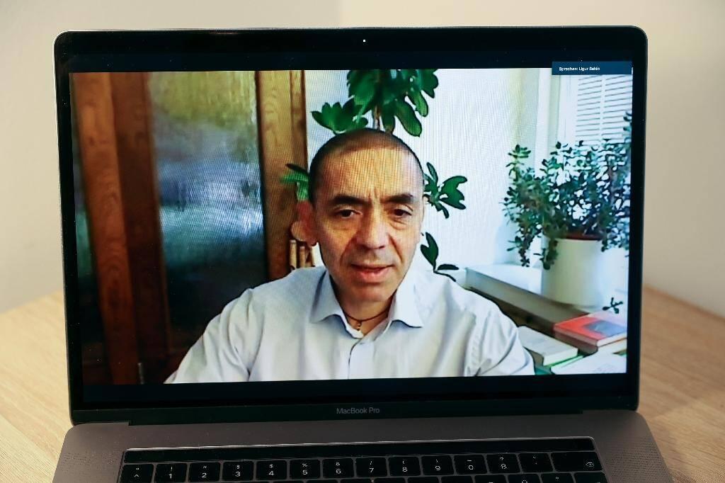 Ugur Sahin, chercheur et cofondateur de BioNTech, lors d'un entretien avec l'AFP depuis Mayence,le 19 novembre 2020