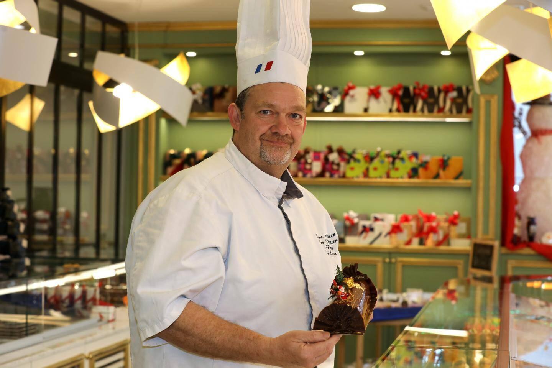 Chez Stéphane Saluzzo plus de 1 300 bûches pâtissières et glacées seront réalisées.