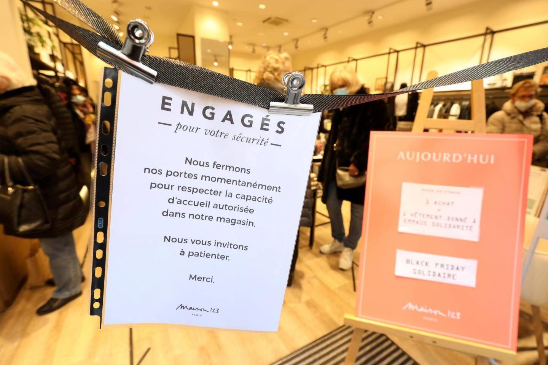 Bienfait ou méfait du consumérisme, le Black Friday peut prendre des tournures solidaires.