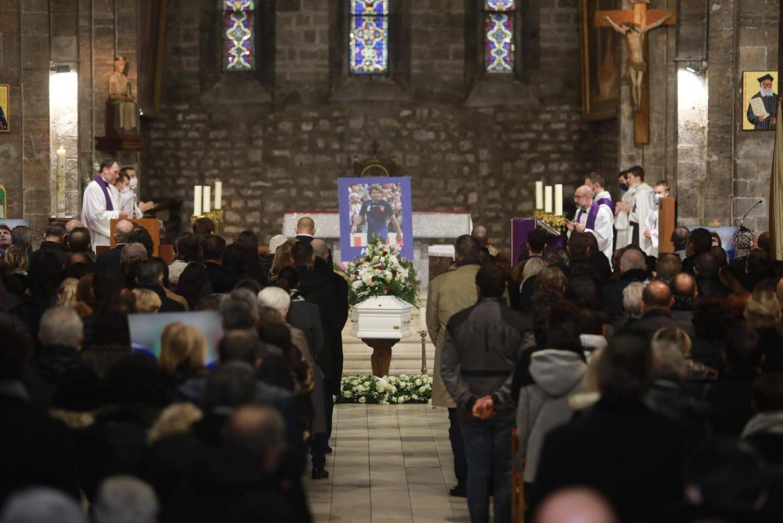 Le père Christian Pradeau de Hyères et le père Marc de Saint Sernin de Cuers célébreront cette célébration d'obsèques préparée avec la famille du rugbymen et Max Guazzini.