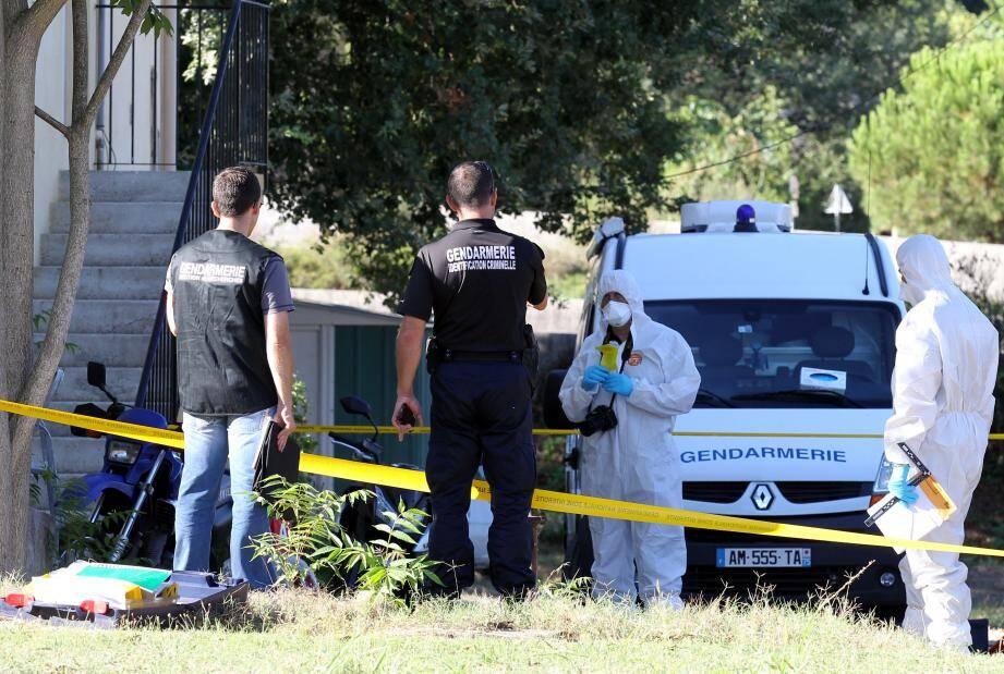 C'est dans cette villa retirée dans une impasse à proximité de la pénétrante que le suspect a été interpellé hier matin.