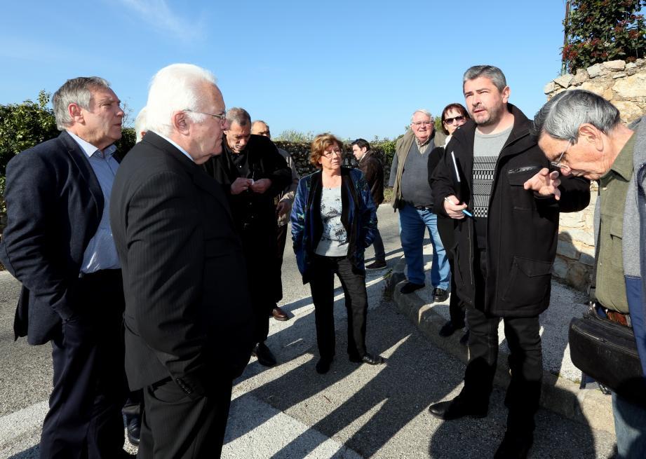 Le député maire Jean-Pierre Giran a rencontré les adhérents du CIL des Rougières, présidé par Reynold Ignace (à dr.) depuis quelques semaines.