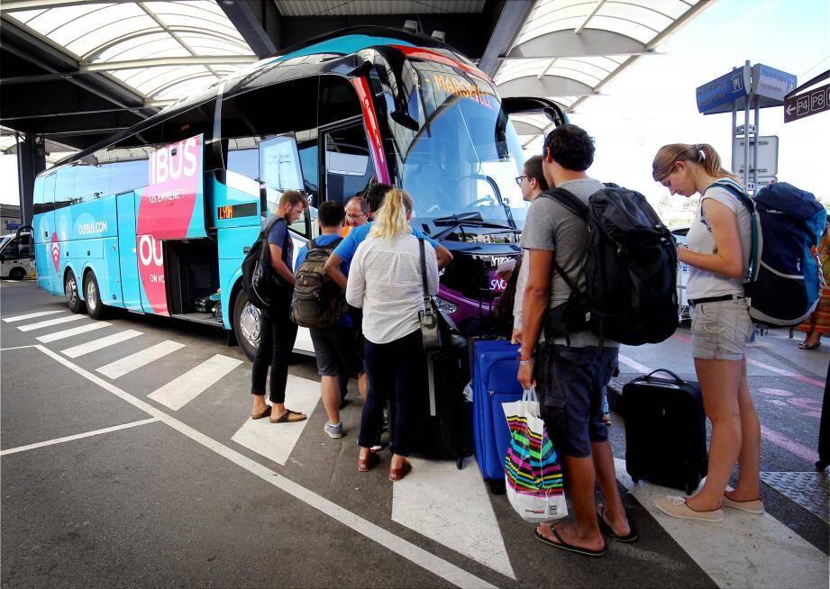 Les bus de Ouibus, Flexbus et Isilines font désormais partie du paysage des voyageurs à l'aéroport de Nice Côte d'Azur.