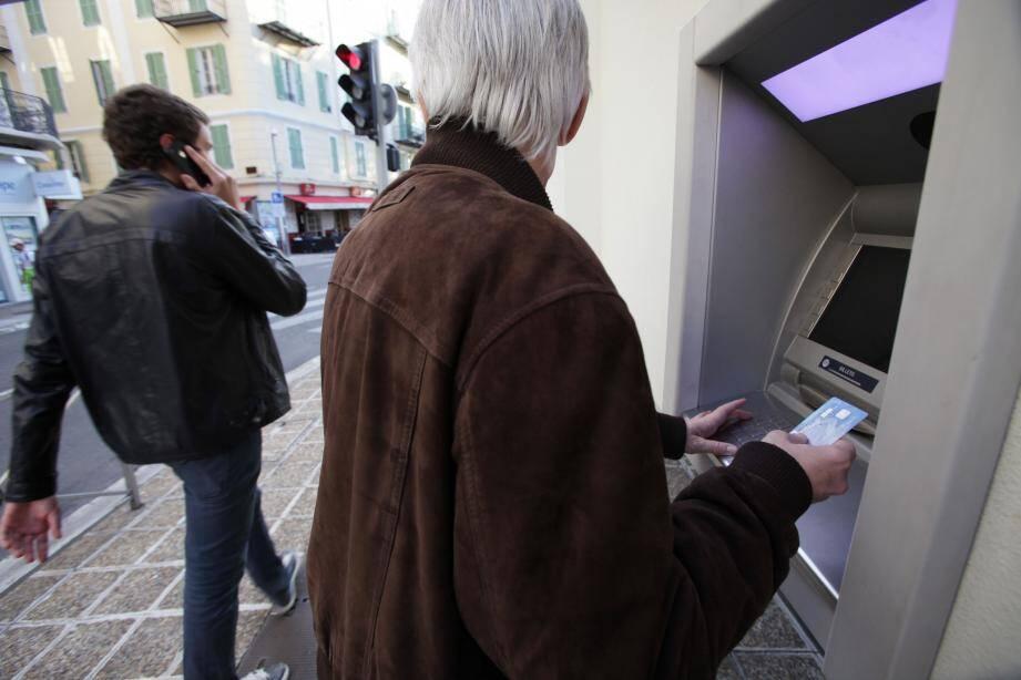 Lors de la conférence sécurité, la police nationale a rappelé les bons réflexes à adopter aussi bien au distributeur automatique de billets que derrière son écran.