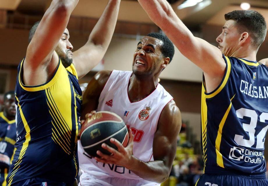 Brandon Davies, finaliste de la dernière Coupe d'Europe FIBA avec Varese contre Francfort (vainqueur), retrouve ce soir les Allemands en ouverture de la Champions League.