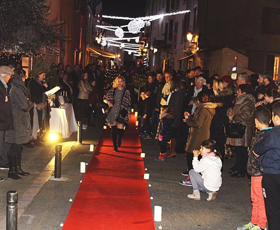 Défilé de mode, ambiance de rue et petit marché gourmand...La cité a fêté, hier, la fin d'année.
