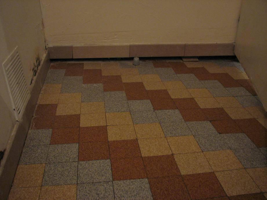 Le plancher qui s'affaisse est désormais désolidarisé des murs