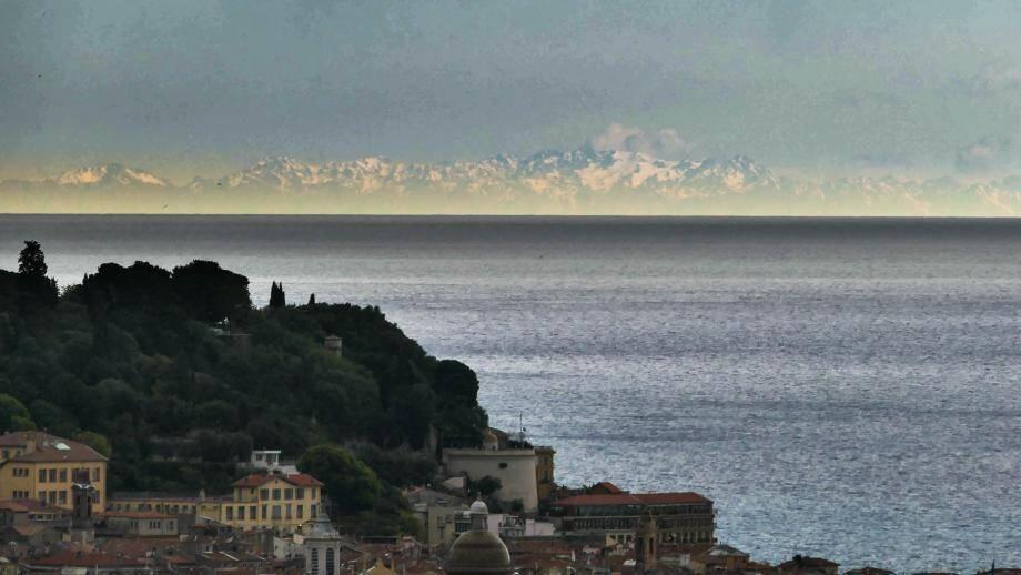 La Corse vue de Pessicart, plateau du Righi.