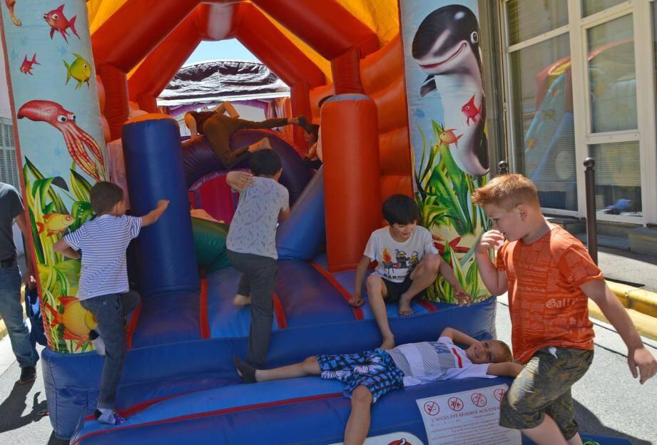 Les structures gonflables : un succès assuré auprès des enfants !