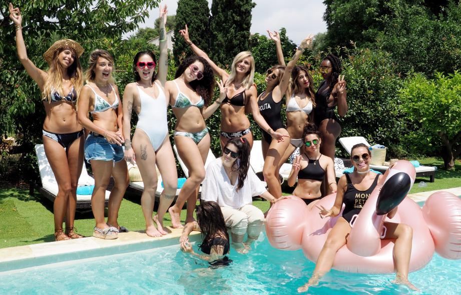 Plusieurs blogueuses se sont réunies pour une pool party dans une villa de Cagnes-sur-Mer dans le cadre du lancement du nouveau modèle marbre issu de la collaboration de la start-up «Mon petit bikini» et de l'influenceuse Noholita.