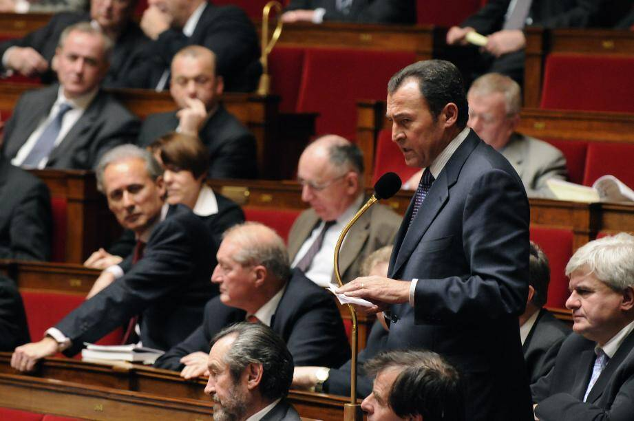 Lionnel Luca au micro à l'Assemblée nationale : «sans langue de bois». (DR)