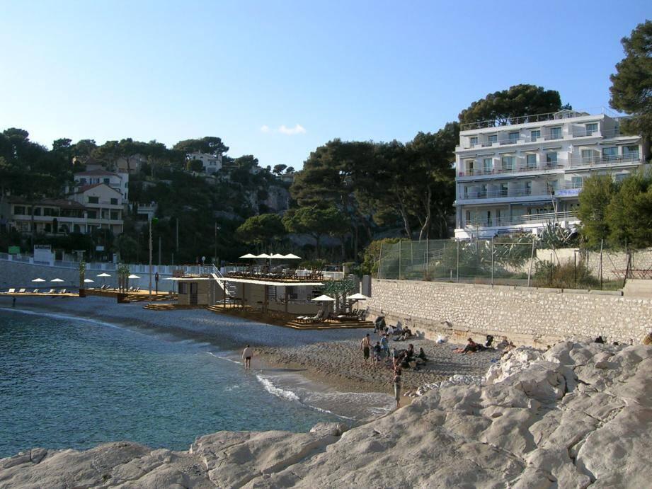Image d'un projet d'établissement de plage « nouvelle génération » en incrustation dans un paysage de Cassis.(Document Margas Naval)