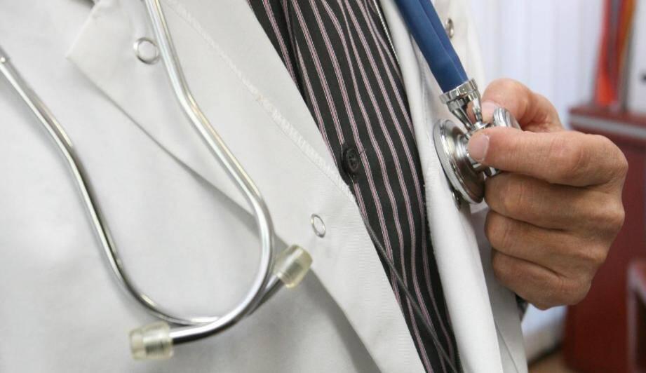 Moins de 2 % des médecins inscrits au conseil de l'ordre des Alpes-Maritimes sont installés dans l'arrière-pays.