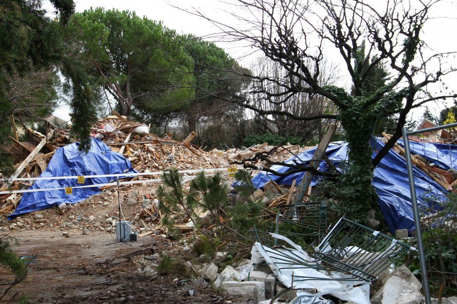 «Danger amiante» : une erreur dans la démolition qui a peut-être exposé les Cagnois à des risques.