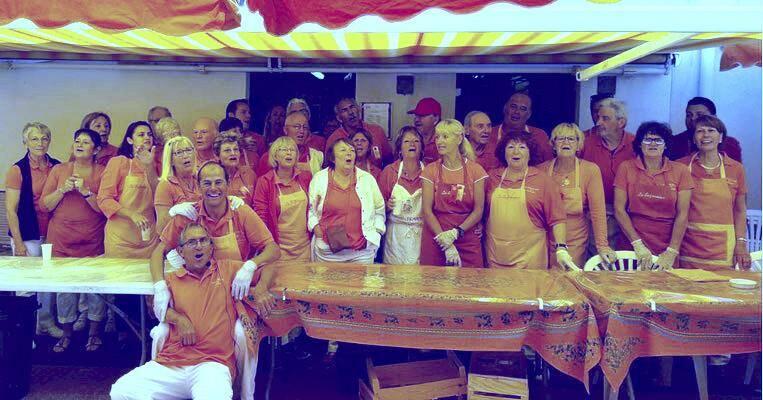 Les membres de la commune libre du Safranier toujours présents pour la fête.