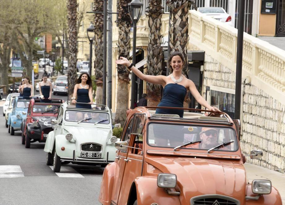 Dans les rues hier, les candidates au titre de Miss Grasse 2018 et les reines de beauté 2017, 2016 et 2012.