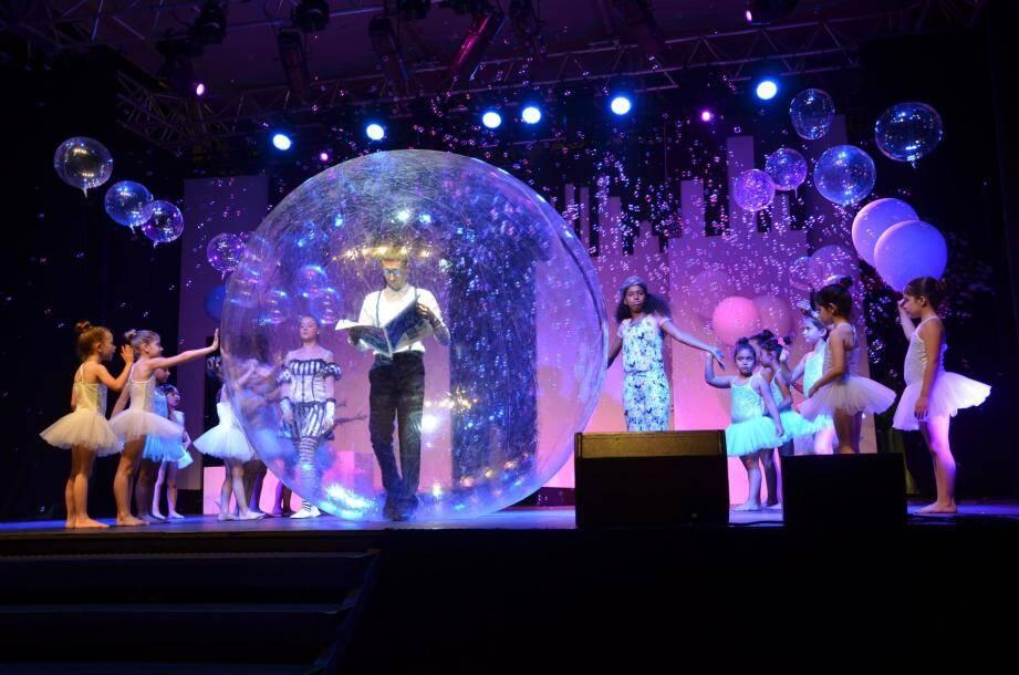 Papa, maman, et même Zaia se retrouvent chacun dans leur bulle...