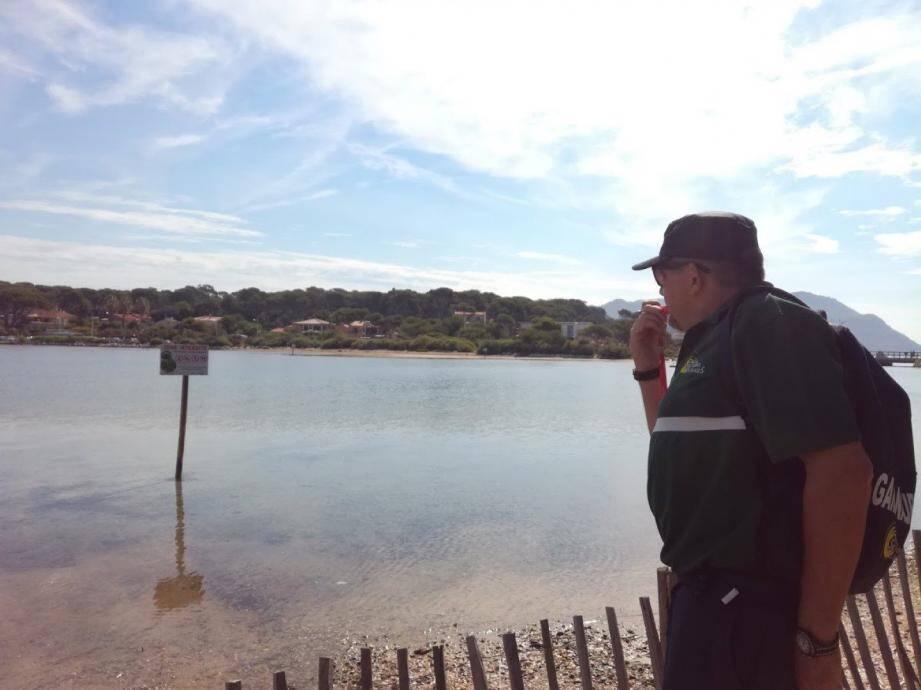 Classée Natura 2000, la lagune du Brusc est un espace protégé où il est interdit de pénétrer à pied ou à la nage.