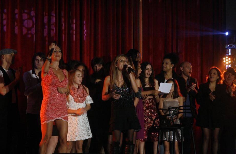 Au terme de cette soirée, les candidats se sont retrouvés aux côtés d'Eve Angeli pour un « bœuf » qui restera gravé dans leur mémoire !