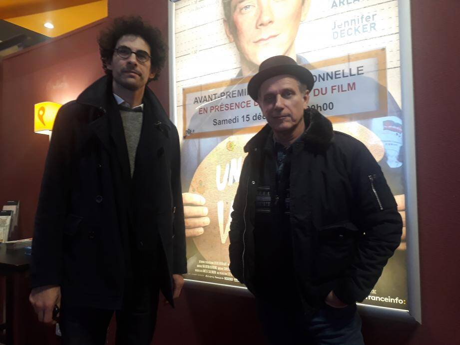 Le film a été projeté au cinéma Pathé Liberté de Toulon avant sa sortie nationale. Lucas Bernard (à gauche) et Charles Berling étaient là pour rencontrer les spectateurs lors de l'avant-première.