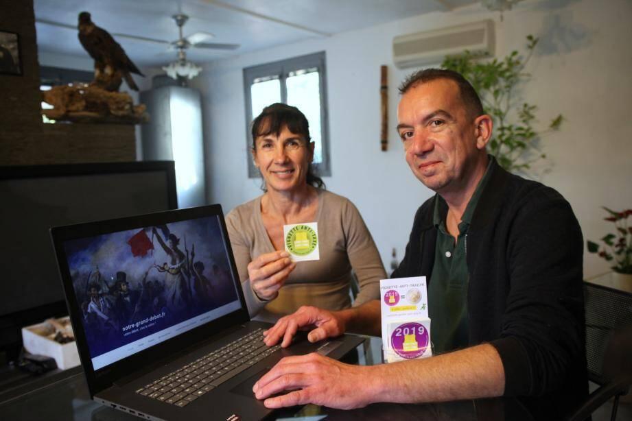 """Pour Alain et Michelle, ce site est """"une manière citoyenne de contribuer au débat""""."""